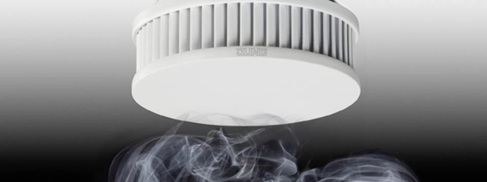 Seit dem 01.01.2015 gilt die Rauchwarnmelderpflicht. Wir stehen Ihnen als zertifizerter Fachpartner zur Verfügung.